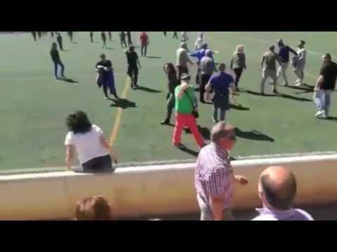 فلسطين اليوم - مشاجرة بين أهالي اللاعبين