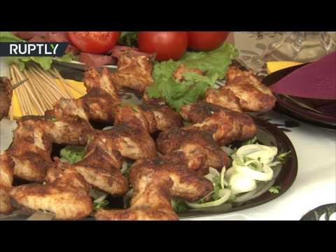 فلسطين اليوم - شاهد مهرجان اللحوم المشوية في العاصمة الشيشانية