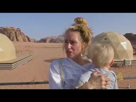 فلسطين اليوم - وادي رم تجربة تخييم فريدة في صحراء الأردن