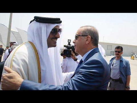 فلسطين اليوم - شاهد أردوغان في الدوحة يحاول تنظيم لقاء بين جميع أطراف الأزمة