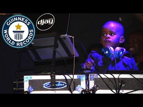 فلسطين اليوم - شاهد طفل معجزة يصبح أصغر dj في العالم