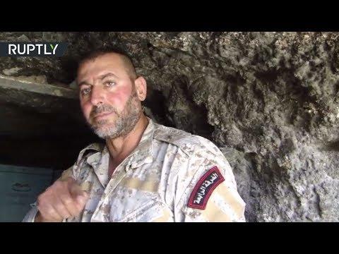 فلسطين اليوم - شاهد عناصر من الفرقة الرابعة في الجيش السوري تكشف مخازن داعش في عقيربات