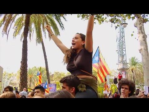 فلسطين اليوم - شاهد كاتالونيا تتحدّى حملة إسبانيا لوأد استفتاء الانفصال