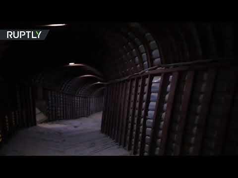 شاهد  العثور على شبكة متفرعة من الأنفاق أخفى فيها مسلحو دوما ذخائرهم