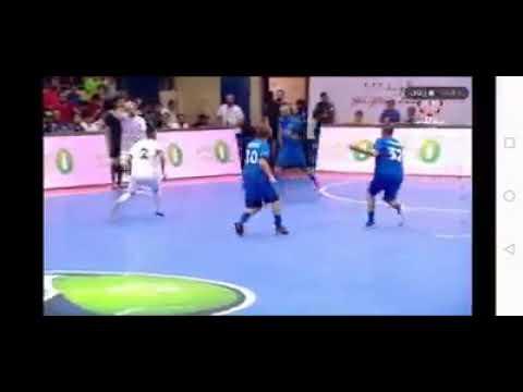 شاهد  لاعب عربي يهين أسطورة روما توتي في دورة رمضانية