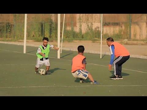 شاهد مصريون يسعون لتشكيل أول منتخب كروي للأقزام