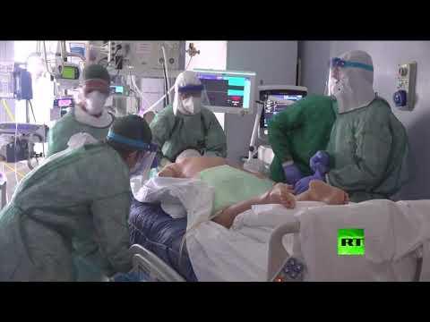 شاهد عشرات التوابيت تملأ كنيسة مستشفى إيطالي بسبب كورونا
