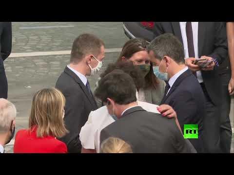 وزيرة خارجية فرنسة تتعرض لموقف محرج بسبب الكمامة
