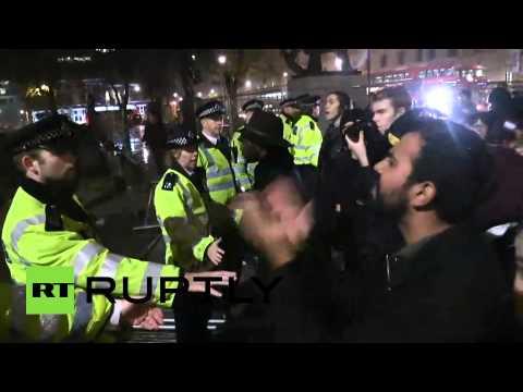قوات الشرطة البريطانية تشتبك مع متظاهرين في لندن