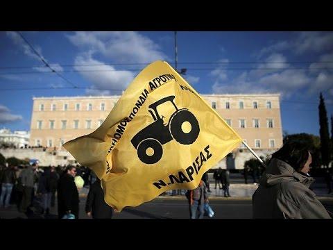العرب اليوم - المزارعون اليونانيون يحتجون على زيادة الضرائب