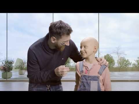 العرب اليوم - شاهد ميسي يشارك في حملة علاج أطفال السرطان في إسبانيا