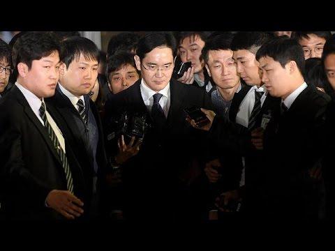 فلسطين اليوم - شاهد اعتقال رئيس مجموعة سامسونغ في كوريا الجنوبية