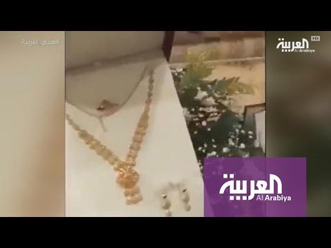 العرب اليوم - بالفيديو  سعوديان يقيمان حفلة لوالدتهما بعد زواج والدهما عليها
