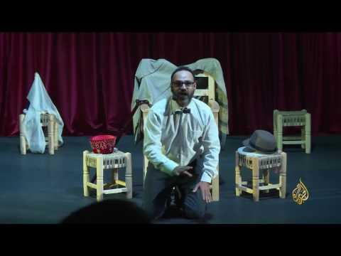 العرب اليوم - بالفيديو  زياد عيتاني ممثل مسرحي يعكس وجه لبنان