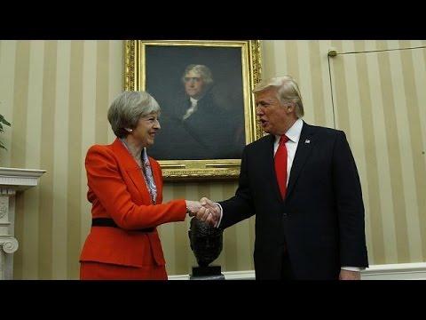 العرب اليوم - بالفيديو تقديم عريضة ضد زيارة دونالد ترامب إلى مجلس العموم البريطاني