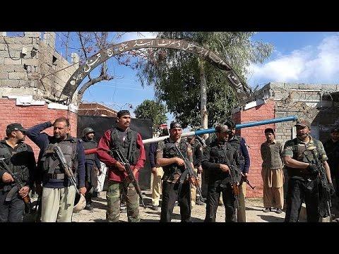 العرب اليوم - بالفيديو مقتل 4 أشخاص خلال هجوم انتحاري على محكمة في باكستان