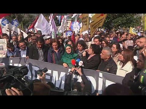 العرب اليوم - شاهد إسقاط عضوية النائبة الكردية يُوكْسيكْداغْ في البرلمان التركي