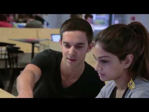 فلسطين اليوم - بالفيديو دروس لطلاب الثانوية العامة في بريطانيا في الأمن الإلكتروني