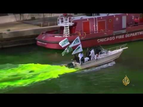 فلسطين اليوم - شاهد لحظة تغير لون النهر الذي يشق شيكاغو