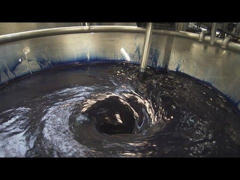 فلسطين اليوم - شاهد كيفية إعادة تدوير المياه المستخدمة في صباغة الأقمشة