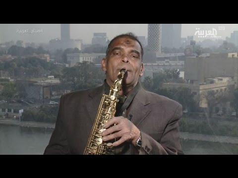 فلسطين اليوم - بالفيديو  عم محمد ينشر السعادة في شوارع القاهرة الفقيرة