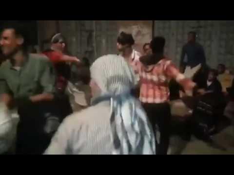 فلسطين اليوم - شاب يمني ينهي حفلة رقص بكارثة