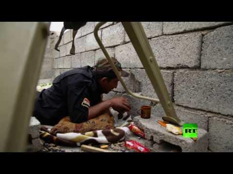 فلسطين اليوم - شاهد المعارك في حي التنك غرب الموصل