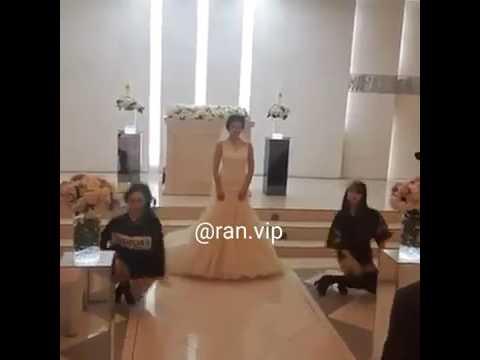 فلسطين اليوم - عروس مميّزة تشارك صديقتيها في رقصة مذهلة في زفافها