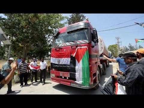 فلسطين اليوم - شاهد توريد مليون لتر من الوقود الصناعي من مصر إلى قطاع غزة