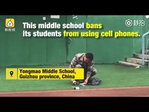 فلسطين اليوم - مدرسة صينية تحطم هواتف الطلاب لتلقينهم درسا قاسيا