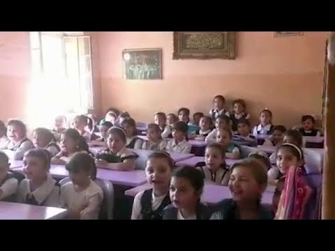 فلسطين اليوم - شاهد عودة الأطفال إلى المدارس في الموصل