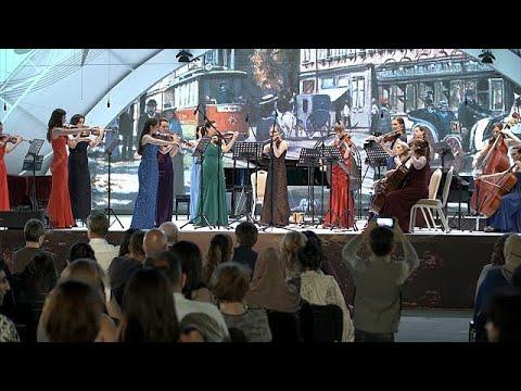 فلسطين اليوم - شاهد مهرجان جبلة الدولي للموسيقى بين العظمة والتقاليد