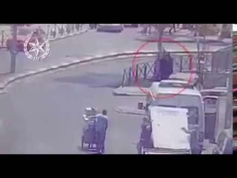 فلسطين اليوم - الاحتلال الإسرائيلي يبث مقطعًا لعملية الطعن الأخيرة في القدس