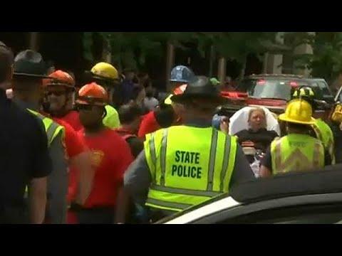 فلسطين اليوم - مقتل شخص وإصابة 19 آخرين في دهس لمتظاهرين في فرجينيا