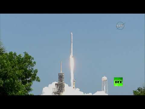 فلسطين اليوم - شاهد مركبة دراغون لنقل الشحنات تنطلق إلى المحطة الفضائية