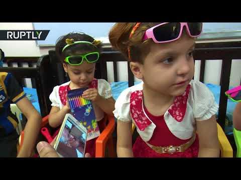 فلسطين اليوم - شاهد طفلة من أيتام داعش تتصل بأهلها