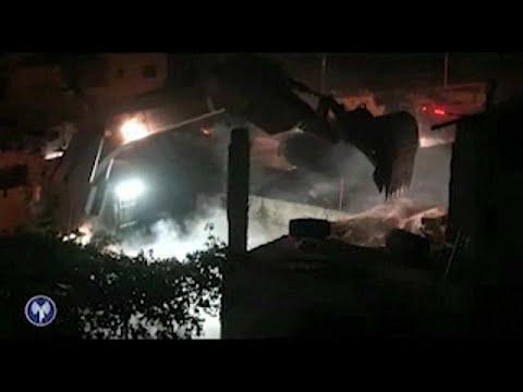 فلسطين اليوم - الجيش الإسرائيلي يهدم منزل منفذ عملية حلميش عمر العبد