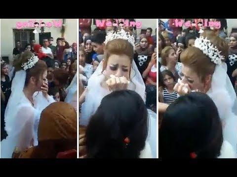 فلسطين اليوم - شاهد عروسة تنهار في زفافها وتتسبب في بكاء جميع من حولها