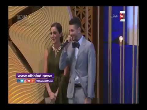 فلسطين اليوم - شاهد  أحمد الفيشاوي يقول لفظ خارج علي المسرح