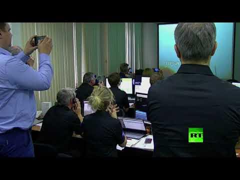 فلسطين اليوم - شاهد لحظة إطلاق صاروخ روسي يحمل قمرًا صناعيًا أوروبيًا