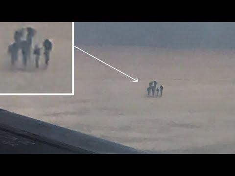 فلسطين اليوم - شاهد رجل يقوم بتصوير أشخاص بأشكال غريبة من طائرة نقل ركاب