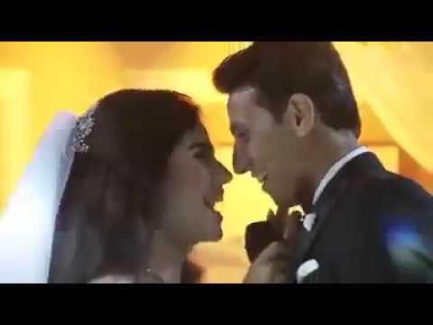 عروس تغني لعريسها وتخطف الأضواء بصوتها الرائع