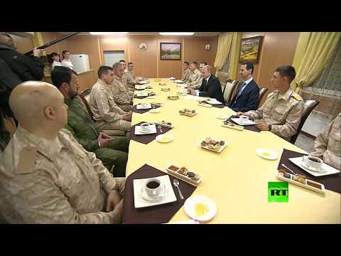 شاهد بوتين يشيد بالعميد سهيل الحسن أثناء لقائه العسكريين في سورية