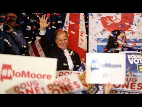 فوز مفاجئ للمرشح الديمقراطي في انتخابات ولاية آلاباما