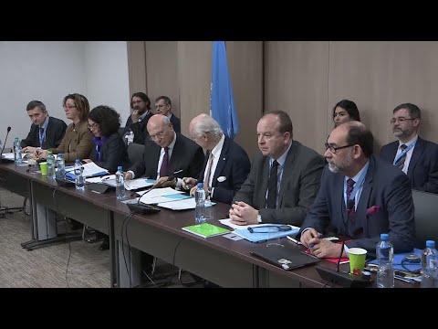 خلافات بين وفد الحكومة السورية والمعارضة خلال مفاوضات جنيف