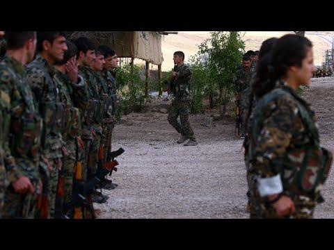 شاهد التحالف الدولي يشكل قوة عسكرية حدودية جديدة تضم فصائل كردية