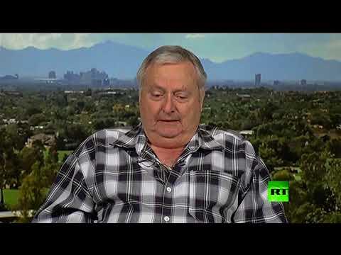 شاهد أميركي متقاعد يبكي على الهواء في وصفه لشجاعة طيار روسي