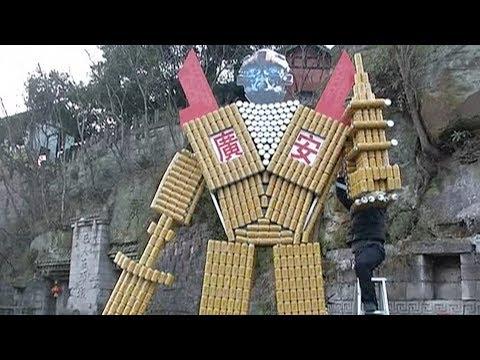 8000 من عبوة كانز فارغة لبناء مجسم ضخم
