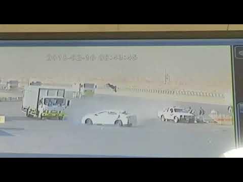 لحظة تعرض مواطن لحادث دهس مروّع في الرياض