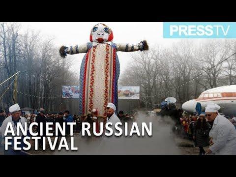 احتفال الروس بعيد ماسلينيتسا الشعبي